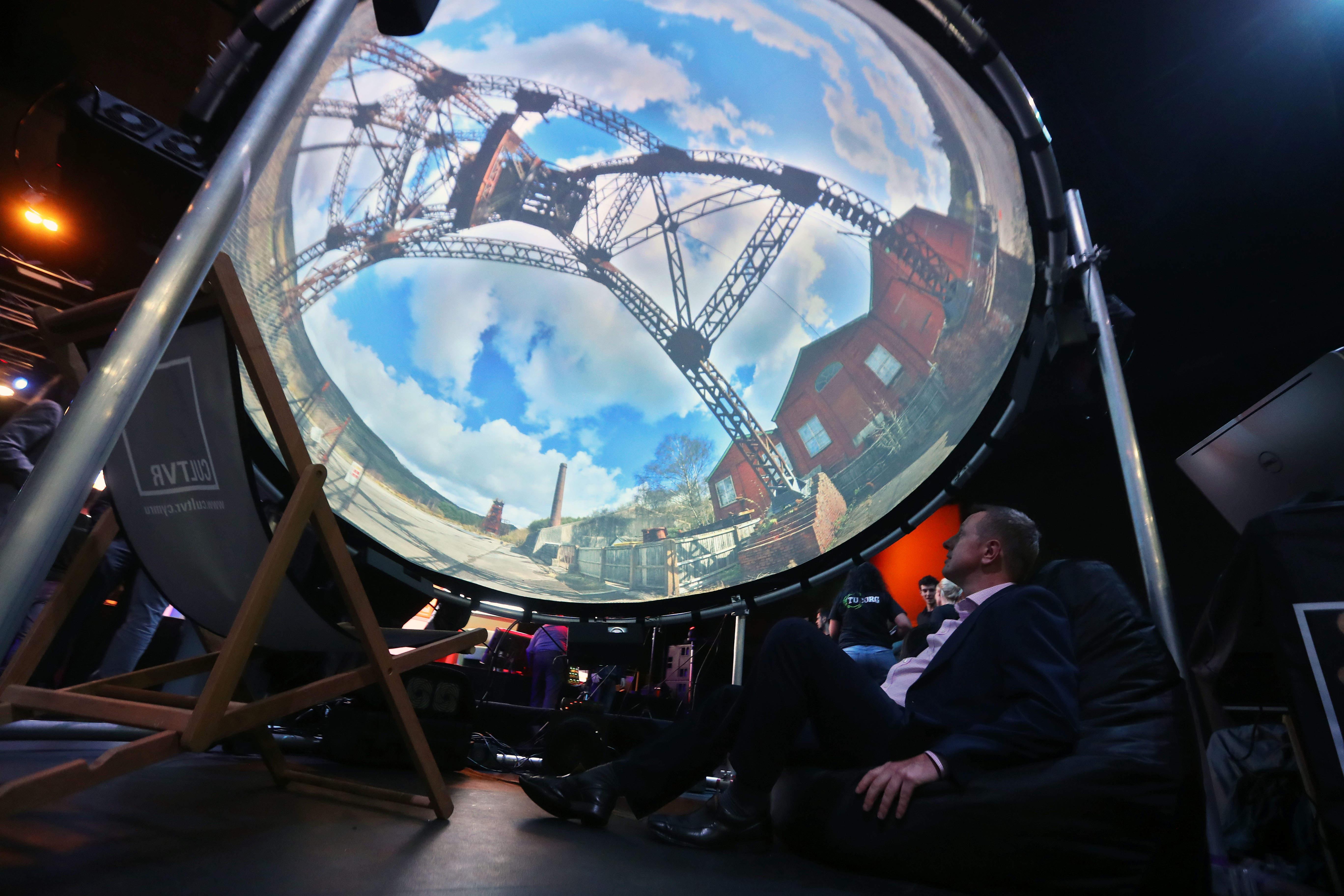 David-Warrender-CEO-of-Innovation-Point-at-Digital-Festival-2-2