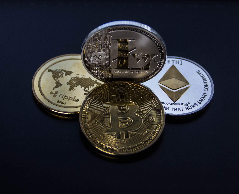 bitcoin-blockchain-cash-843700