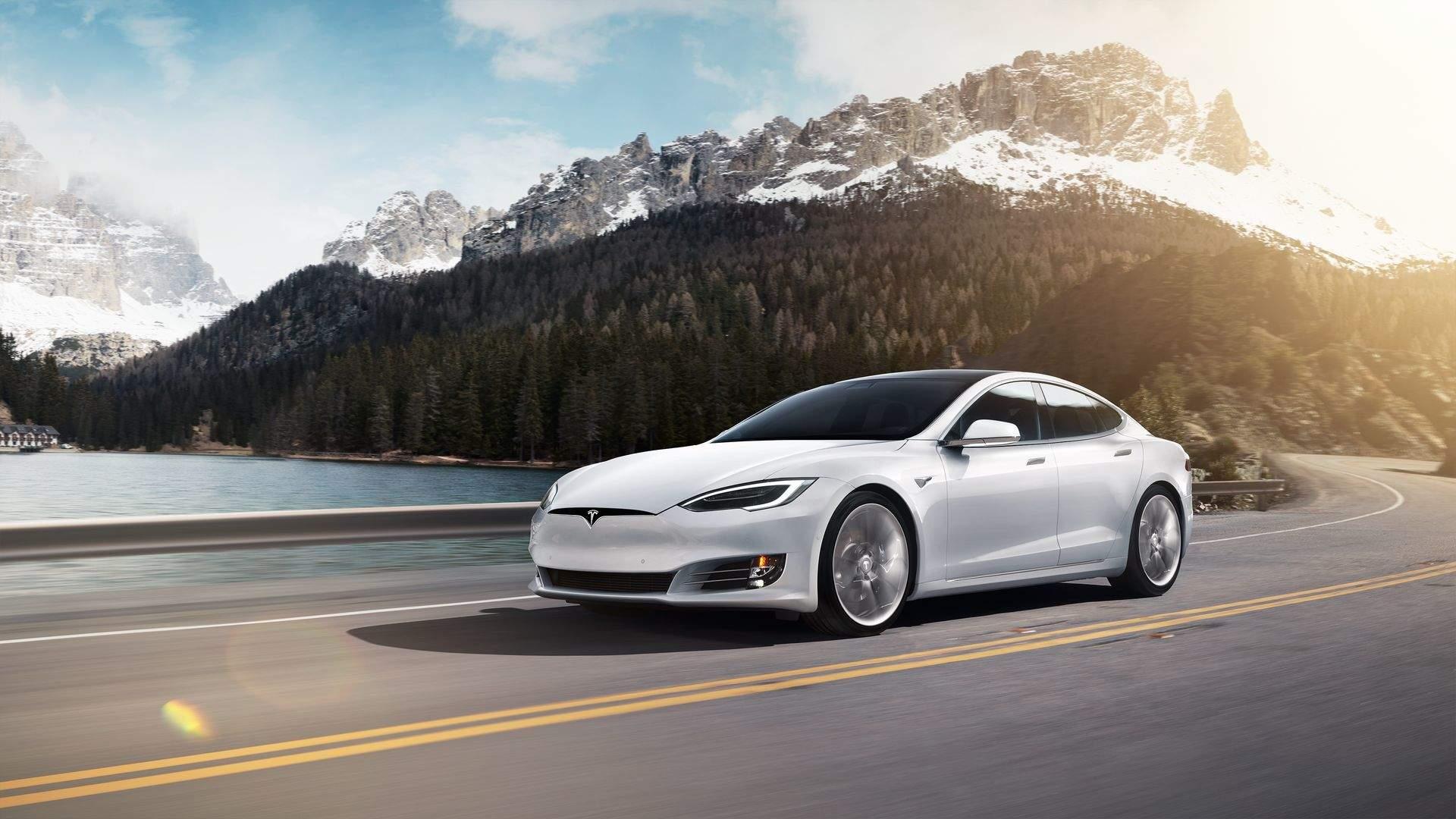 Tesla Model S(3)