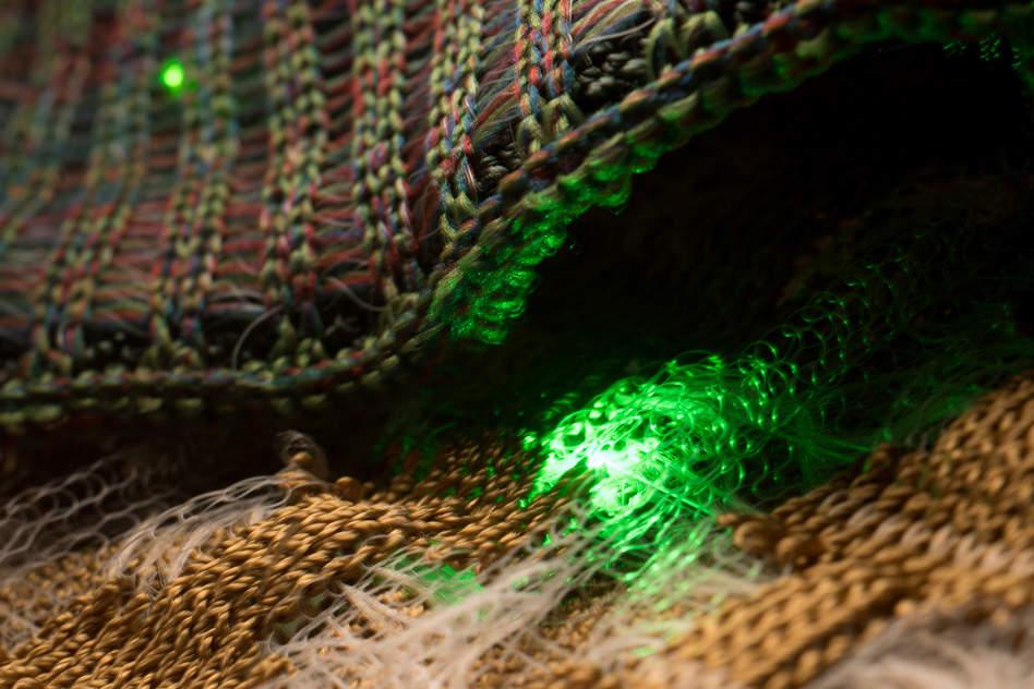 MIT electronic fibres