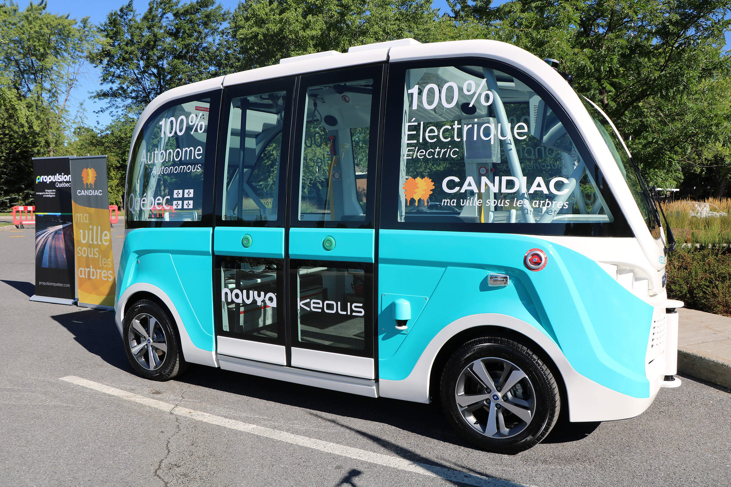 Ville de Candiac-A Canadian first - an autonomous electric shutt