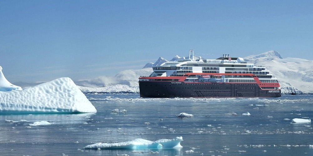 hybrid-powered cruise ship, MS Roald Amundsen