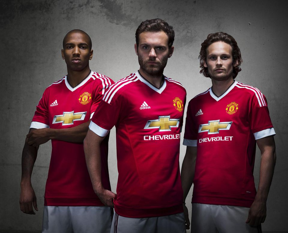 Manchester United Adidas kit deal