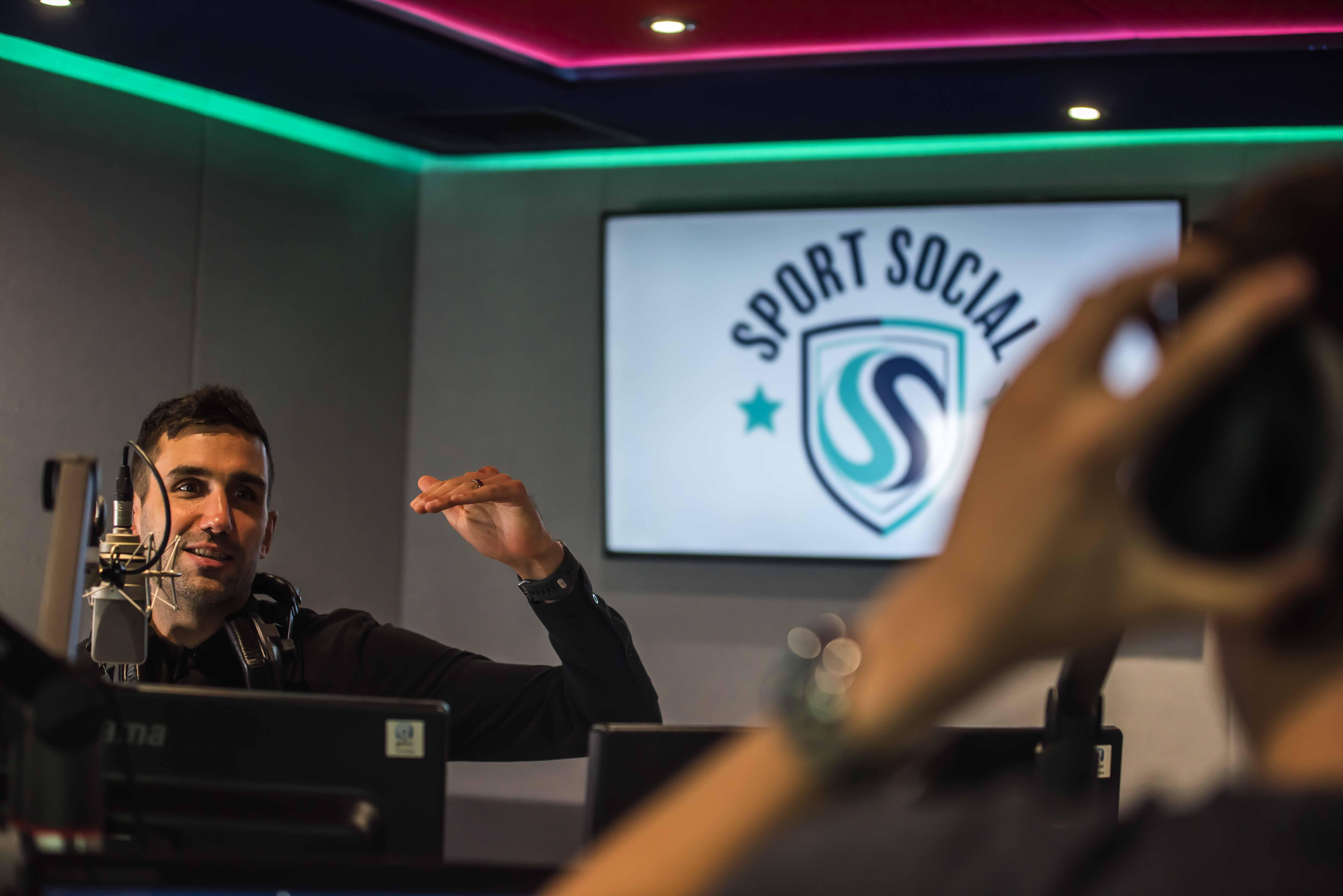 Jim Salveson, Sport Social, Alexa Premier League