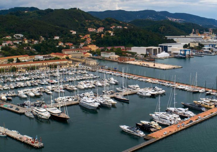 Docking at a busy marina can be a nightmare for even the most avid boating enthusiasts (Credit: Raymarine)