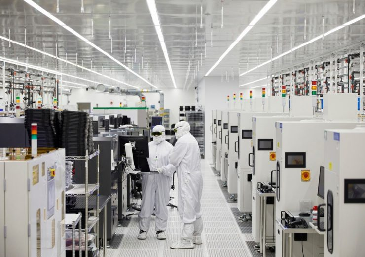 apple_adv-manufacturing