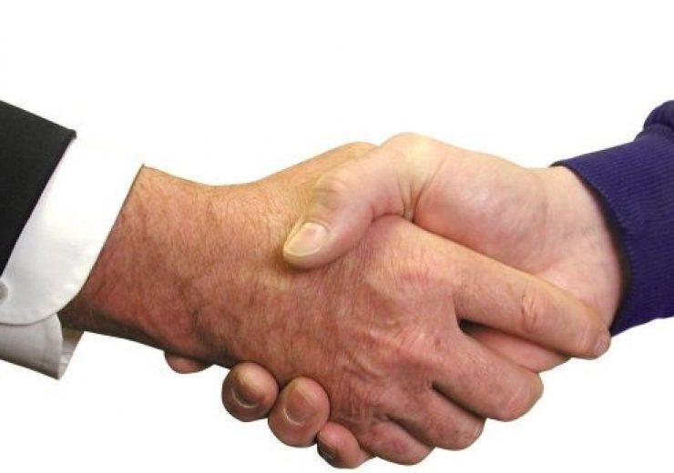 handshake-1239869