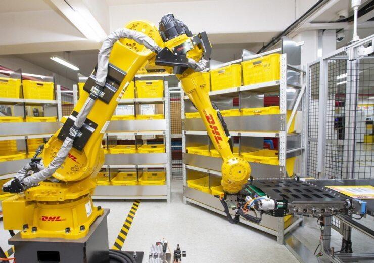 Press-image---DHL-Express-deploys-AI-powered-sorting-robot
